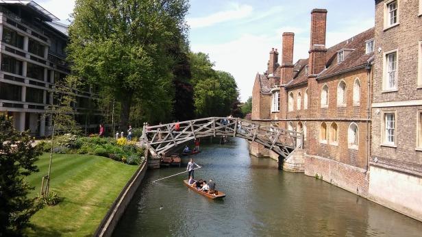Cambridge mathetmatical bridge.jpg